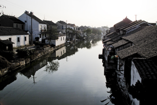 One of the outer canals that led into Tongli.