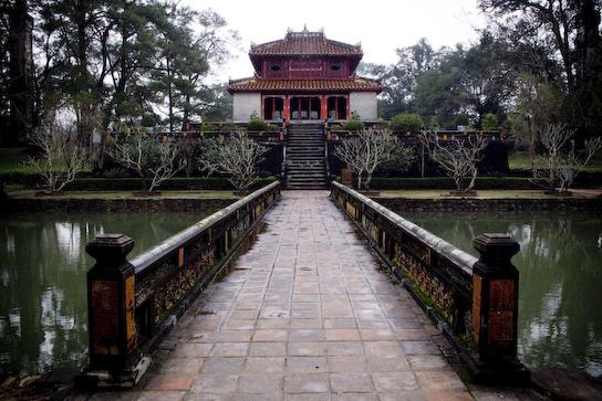 Minh Lau pavillian at Minh Ming's tomb.