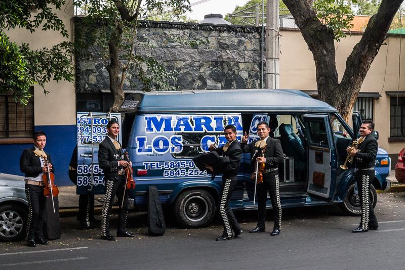 The mariachi van!